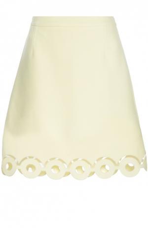 Мини-юбка А-силуэта с перфорацией Carven. Цвет: желтый
