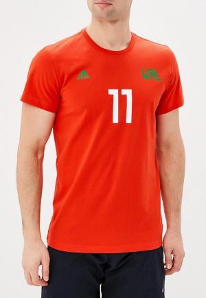 Футболка adidas. Цвет: красный