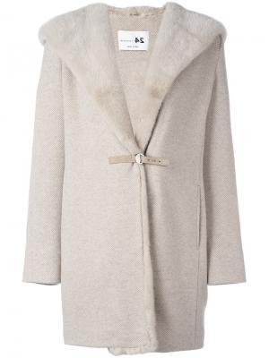 Пальто с капюшоном и оторочкой мехом норки Manzoni 24. Цвет: телесный
