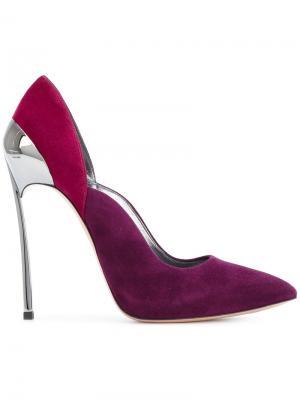 Туфли-лодочки с заостренным носком на шпильке Casadei. Цвет: красный