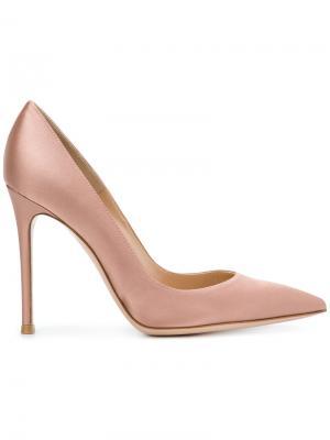 Туфли на шпильках с заостренным носком Gianvito Rossi. Цвет: телесный