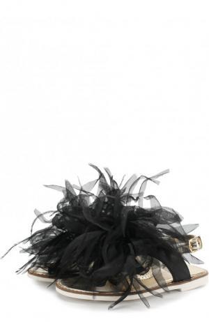 Босоножки из металлизированной кожи и декором Monnalisa. Цвет: черный