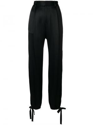 Атласные брюки в спортивном стиле Alexis. Цвет: чёрный