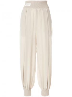 Спортивные брюки-шаровары с панельным дизайном Fendi. Цвет: телесный