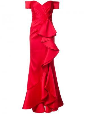 Вечернее платье с открытыми плечами и оборкой Badgley Mischka. Цвет: красный