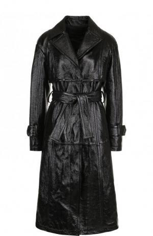 Кожаное пальто с поясом и карманами DROMe. Цвет: черный